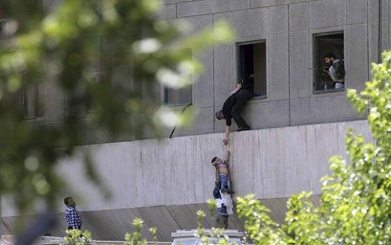 Terror: Malditos suicidas del ISIS asesinan 12 personas y con disparos en Teherán; Vídeo