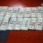 Venezolana intenta salir con 106 mil dólares (no pesos); Hace un mes otro llevaba 100 mil