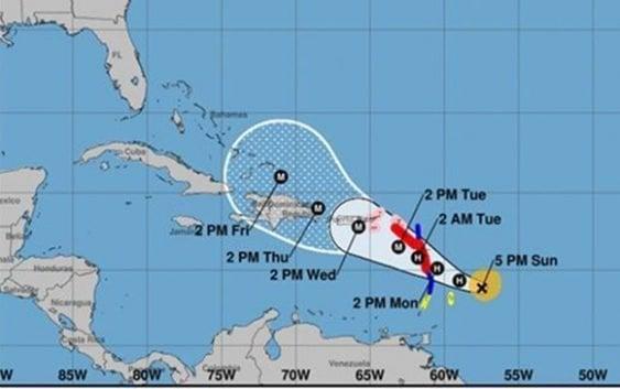 Centro Nacional de Huracanes: Alerta máxima para islas del Caribe por huracán María