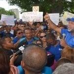 ADP se manifiesta frente al Minerd por maestros bloqueados