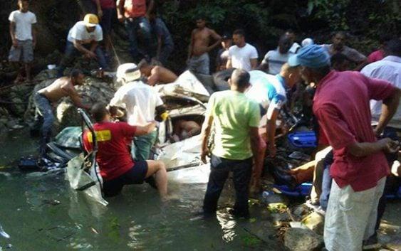 Tragedia: Cuatro personas mueren tras vehículo caer al río San Marcos, en El Cupey de Puerto Plata