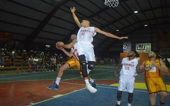Club Víctor Burgos avanza a la semifinal del VII Torneo de baloncesto superior SDN