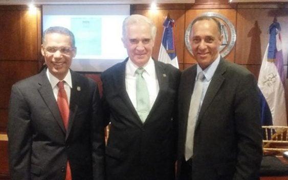 Diego Valadés dictó conferencia Constitución Centenaria; Advierte sobre modificar la Carta Magna