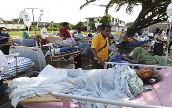 México: A 65 cifra muertes por terremoto de 8.2; Guatemala 7.7 y 5 mil afectados