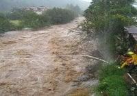 Un muerto y 7 desaparecidos de 16 haitianos se lanzaron a río Guayubincito evadiendo autoridades