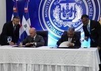 República Dominicana y España acuerdan supremir visa a pasaportes diplomáticos; Vídeo