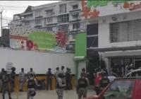 Caos: Intentan embargo en Dumé Papelería, gran contingente policial; Vídeo