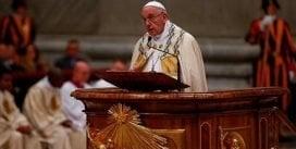 Papa Francisco lamenta la humanidad haya malgastado y herido el 2017 con guerras e injusticias