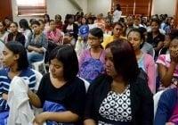 Banco Adopem imparte charla a jóvenes universitarios