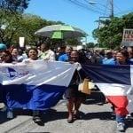 Profesores de Barahona marchan por demandas y oposición a ternas