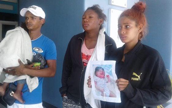 Insólito… como lo cuenta: Pasadas por «pastoras» le robaron su hija recién nacida