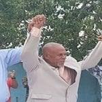 Dirigente comunitario de La Caleta pacta con candidato a la alcaldía