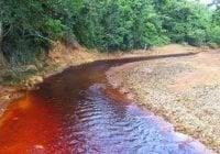 En Cotuí vuelven a quejarse mineras contaminan fuentes acuíferas