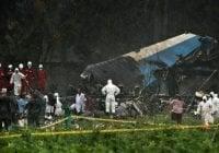 Practican autopsias cuerpos piloto y copiloto avión estrellado en Cuba; Vídeo del momento preciso