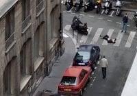 Terrorista de París asesinó una persona con cuchillo e hirió ocho era de Chechenia: Vídeo