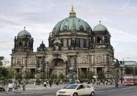Un policía y un civil heridos en tiroteo en la Catedral de Berlín
