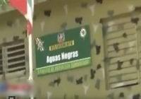 Denuncian pandilla haitiana cruza por pedernales y se llevan preso homicida; Vídeo