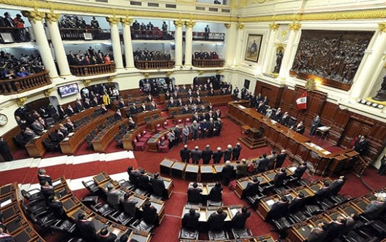 Perú aprobó ley regula y prohíbe publicidad del Estado en medios de comunicación privados
