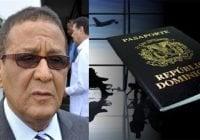 Dominicano Víctor Núñez pagó 180 dólares para renovar pasaportes en Toronto y no se lo entregan