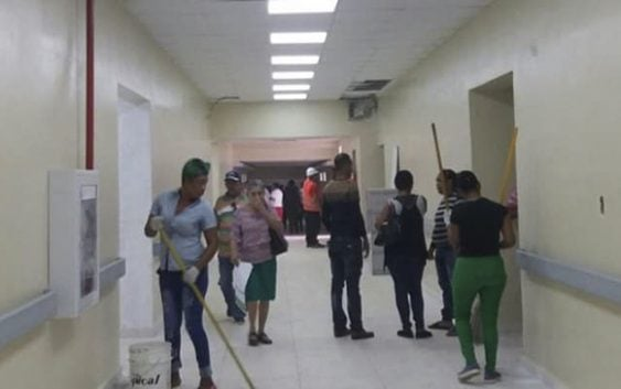 Increible: Hospital Dr. Moscoso Puello inaugurado el pasado 5 de abril y se inunda y gotea