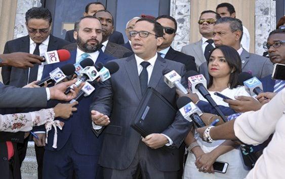 Ante negativa del Congreso PRM somete a Joao Santana y Mónica Moura en la Fiscalía