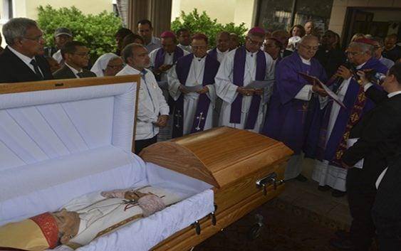 Obispo Fabio Mamerto Rivas Santos recibe Cristiana sepultura