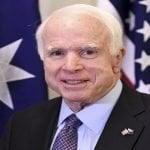 Cáncer cerebral cobra vida del senador y excandidato presidencial estadounidense John McCain