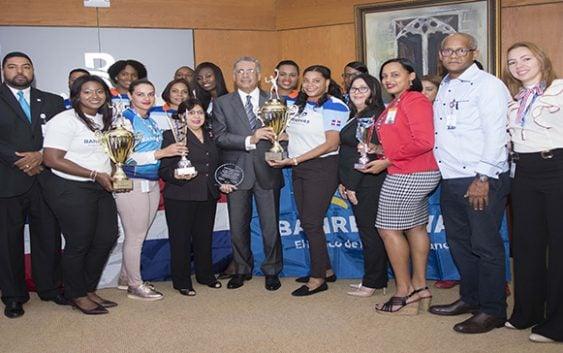 Lizardo Mézquita reconoce ganadoras del Torneo de Voleibol Bameso USA; Vídeo