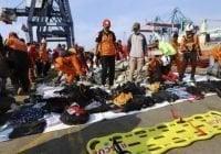 Indonesia: No hay sobrevivientes de accidente aéreo, 189 muertos; Rescatan más cadáveres