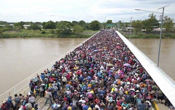 Migrantes en caravana piden disculpa a México por rotura de portón; Dos víctimas en una semana