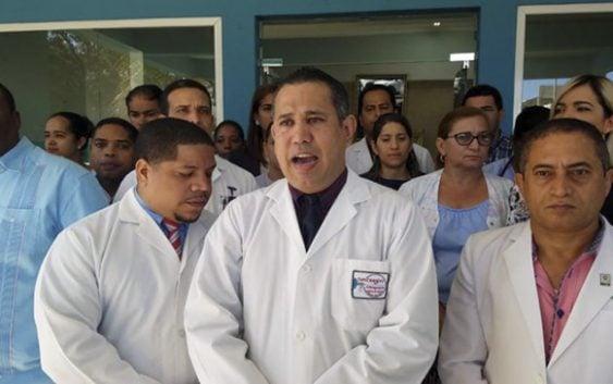 Médicos de Valverde iniciaron paro indefinido esta mañana