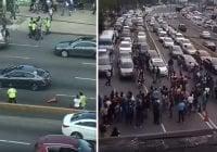 Policía dispersa pasajeros molestos a bombasos y les caen como pavos a golpes; Vídeos