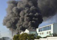 Causas del incendio en Flexopack aún se desconocen; Equipos de explosivos, el Ejército y Bomberos investigan