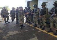 En visita a la frontera Ministro de Defensa llama a soldados mantenerse alerta