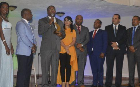 Realizan segunda entrega de Premios Santo Domingo Oeste