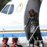 Usar avión presidencial para llevarles periódicos, raya en los abusos de Cristina Fernández de Kirchner; Vídeo