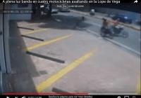 Banda en motocicletas asaltando en la Lope de Vega, a plena luz; Que será en otros lugares?; Vídeos
