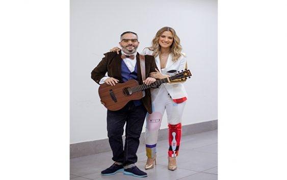 Nathalie Hazim y Pavel Núñez cantan en graduación de 400 mujeres