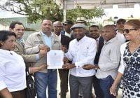 Alcaldía y SNTP inician trabajos de construcción de la Casa Municipal de la Prensa en Boca Chica