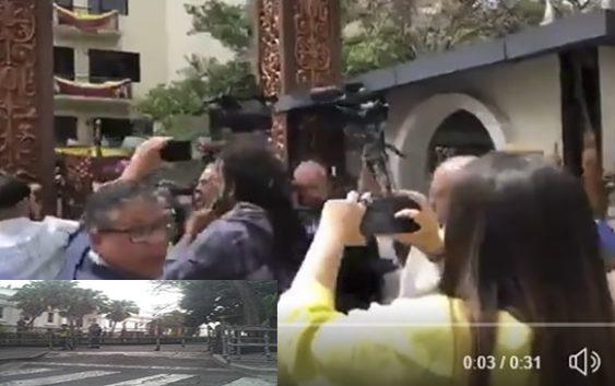 Prensa penetra a la fuerza a la Asamblea Nacional, tras narcodictadura impedirlo con GNB; Vídeo