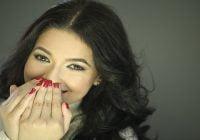 Cantante de bachata Ely Holguín concita respaldo del público