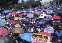 """La Asociación Dominicana de Profesores marcha """"Por más y mejor educación y por la paz escolar"""""""