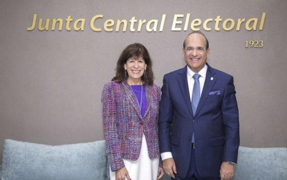 Estados Unidos ordena a embajadora en la RD vigilar a la Junta Central Electoral y primarias del PLD y PRM