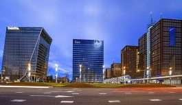 Deloitte en el banquillo por casos de la multinacional Abengoa y el Bankia; España la multó por 12,4 MM de euros