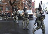 Confirman en tiroteo de Jersey City murieron tres civiles, dos sospechosos, un oficial de policía y varios heridos; Vídeo