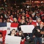Dominicanos en Girona, España realizan «Vigilia por la Democracia» el día de la Independencia de su país