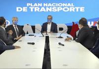 Abinader desarrollará sistema de transporte que cambiará movilidad urbana, interurbano, de carga y turístico