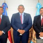 Ministro de Interior y Policía Jesús Vásquez posesiona al Director General de Migración Reynaldo García