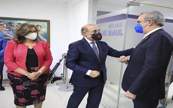 Vincho Castillo: Lo único que Abinader podía buscar visitando a Danilo Medina y secuases es hablar de los expedientes