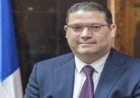 La presidente del CDP recibe llamada del Director General de Aduanas Eduardo Sanz Lovaton